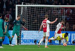 08-05-2019 NED: Semi Final Champions League AFC Ajax - Tottenham Hotspur, Amsterdam<br /> After a dramatic ending, Ajax has not been able to reach the final of the Champions League. In the final second Tottenham Hotspur scored 3-2 / Andre Onana #24 of Ajax saves, Fernando Llorente #18 of Tottenham Hotspur, Lasse Schone #20 of Ajax