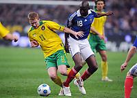 Fotball<br /> Frankrike v Litauen<br /> Foto: DPPI/Digitalsport<br /> NORWAY ONLY<br /> <br /> FOOTBALL - FIFA WORLD CUP 2010 - QUALIFYING ROUND - GROUP 7 - FRANCE v LITHUANIA - 01/04/2009 - LINAS PILIBAITIS (LIT) / ALOU DIARRA (FRA)