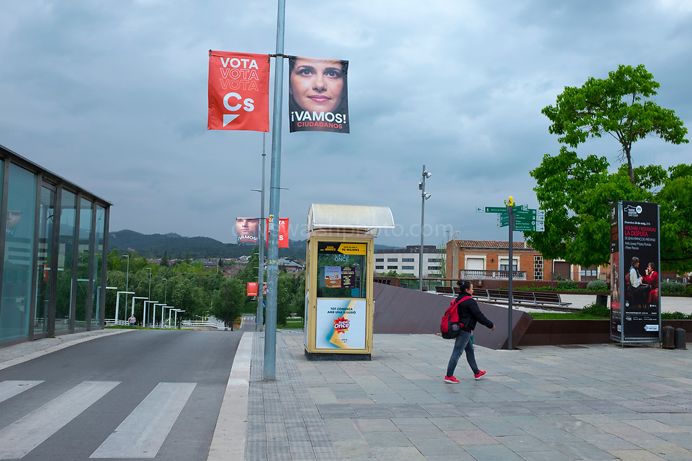 Vamos! Inés Election poster for Ines Arrimadas, leader of Ciudadanos in Catalonia, right wing liberal party. Sant Cugat del Valles, Barcelona, ahead of the General Election, Spain, which take place on 28 April 2019.  Sant Cugat is a pro-independence town, with national right wing parties struggling  to gain a foothold.