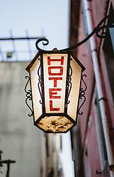 THEMENBILD - Hotel Schriftzug auf einer Laterne, aufgenommen am 03. Oktober 2019 in Venedig, Italien // Hotel lettering on a lantern in Venice, Italy on 2019/10/03. EXPA Pictures © 2019, PhotoCredit: EXPA/ JFK