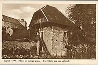 Zagreb 1930. : Motiv iz starog grada = Ein Motiv aus der Altstadt. <br /> <br /> Impresum[S. l. : S. n.], 1930.<br /> Materijalni opis1 razglednica : tisak ; 8,9 x 13,9 cm.<br /> Vrstavizualna građa • razglednice<br /> ZbirkaGrafička zbirka NSK • Zbirka razglednica<br /> Formatimage/jpeg<br /> PredmetZagreb –– Opatovina<br /> SignaturaRZG-OPAT-1<br /> Obuhvat(vremenski)20. stoljeće<br /> NapomenaRazglednica nije putovala. • Razglednica prikazuje Prišlinovu kulu nekadašnju SZ obrambenu kulu Kaptola, sagrađenu početkom 16.st.<br /> PravaJavno dobro<br /> Identifikatori000952705<br /> <br /> Izvor: Digitalne zbirke Nacionalne i sveučilišne knjižnice u Zagrebu