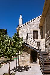 """THEMENBILD - die Kebir-Moschee (Büyük Camii; """"Die Große Moschee"""") an einem heissen Sommertag, aufgenommen am 16. August 2018 in Larnaka, Zypern // Kebir-Buyuk (Great) Mosque on a hot summer Day, Larnaca, Cyprus on 2018/08/16. EXPA Pictures © 2018, PhotoCredit: EXPA/ JFK"""