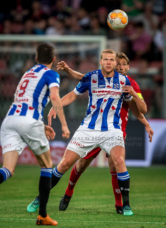 12-05-2018 NED: FC Utrecht - Heerenveen, Utrecht<br /> FC Utrecht win second match play off with 2-1 against Heerenveen and goes to the final play off / (L-R) Henk Veerman #20 of SC Heerenveen, Willem Janssen #14 of FC Utrecht