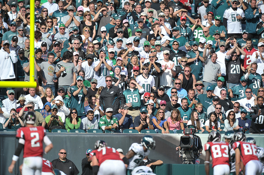 PHILADELPHIA - OCTOBER 17: Philadelphia Eagles fans cheer during the game against the Atlanta Falcons at Lincoln Financial Field on October 17, 2010 in Philadelphia, Pennsylvania. The Eagles won 31-17. (Photo by Drew Hallowell/Getty Images)  *** Local Caption ***