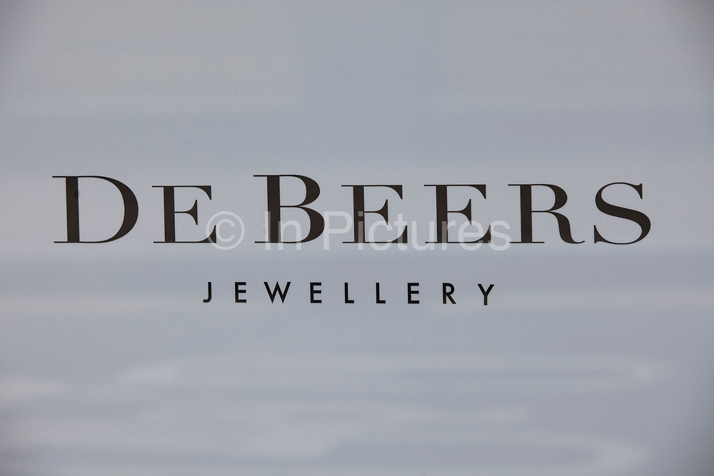 Sign for high end jewellers and diamond sellers De Beers.