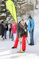 29.01.2019, Planai, Schladming, AUT, FIS Weltcup Ski Alpin, Slalom, Herren, Prominenten-Eisstockschießen, ländliches Mittagsvergnügen, im Bild Fußballtrainer Peter Stöger // during a ice stock event prior to the Schladming FIS Ski Alpine World Cup 2019 at the Planai in Schladming, Austria on 2019/01/29. EXPA Pictures © 2019, PhotoCredit: EXPA/ Martin Huber