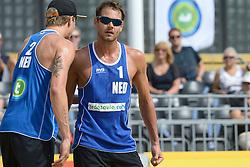 17-07-2014 NED: FIVB Grand Slam Beach Volleybal, Apeldoorn<br /> Poule fase groep A mannen - Reinder Nummerdor (1), Steven van de Velde (2) NED
