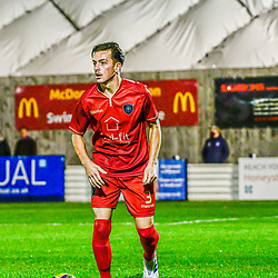 Alex Fisher on the ball for Met Police 6/10/2020