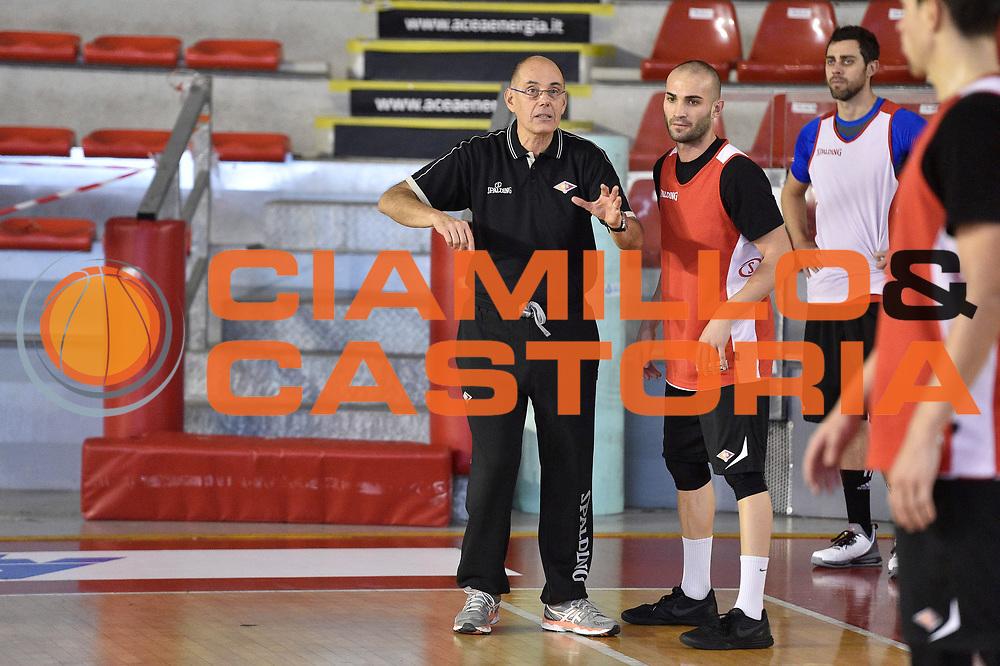DESCRIZIONE : Roma Lega2 2015-16<br /> Virtus Roma allenamento Attilio Caja<br /> GIOCATORE : Attilio Caja<br /> CATEGORIA : Allenatore Coach<br /> SQUADRA : Virtus Roma<br /> EVENTO : Campionato Lega2  2015-2016<br /> GARA : Virtus Roma Allenamento Attilio Caja<br /> DATA : 28/10/2015<br /> SPORT : Pallacanestro<br /> AUTORE : Agenzia Ciamillo-Castoria/GiulioCiamillo<br /> Galleria : Lega2  2015-2016<br /> Fotonotizia : Roma  Lega2 2015-16 Allenamento Attilio Caja<br /> Predefinita :