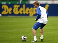 Fotball<br /> Trening Nederland / Holland<br /> 20.05.2010<br /> Seefeld Østerrike<br /> Foto: Gepa/Digitalsport<br /> NORWAY ONLY<br /> <br /> FIFA Weltmeisterschaft 2010 in Suedafrika, Vorberichte, Vorbereitung Nationalteam Niederlande, Trainingslager. <br /> <br /> Bild zeigt Dirk Kuyt (NED)
