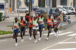 15-10-2006 ATLETIEK: MARATHON AMSTERDAM: AMSTERDAM<br /> Kopgroep met Bernard Barmasai, Solomon Bushendich (l) en Stanley Leleito<br /> ©2006: WWW.FOTOHOOGENDOORN.NL