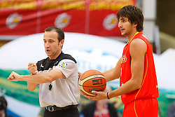 15.08.2010, Logroo, ESP, Friendly Basketball LS, Spain vs Argentia, im Bild Spain's Ricky Rubio with the referee during Friendly match. EXPA Pictures © 2010, PhotoCredit: EXPA/ Alterphotos/ Acero +++++ ATTENTION - OUT OF SPAIN +++++