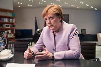 20 MAR 2017, BERLIN/GERMANY:<br /> Angela Merkel, CDU, Bundeskanzlerin, waehrend einem Interview, in ihrem Buero, Bundeskanzleramt<br /> IMAGE: 20170320-01-006<br /> KEYWORDS: Büro