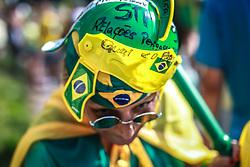 Manifestantes protestam contra o governo da presidente Dilma Rousseff, em Porto Alegre, Brasil, em 15 de março de 2015. Dezenas de milhares de brasileiros saíram as ruas para manifestações neste domingo para se opor a presidente esquerdista Dilma Rousseff, um alvo de crescente descontentamento em meio a uma economia vacilante e um escândalo de corrupção maciça da gigante petrolífera estatal Petrobras. FOTO: Jefferson Bernardes/ Agência Preview