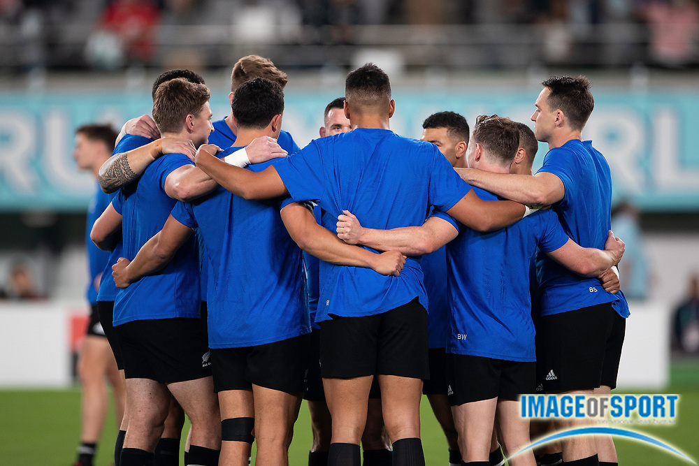 New Zealand´s players getting warm before the Rugby World Cup bronze final match between New Zealand and Wales Friday, Nov, 1, 2019, in Tokyo. New Zealand defeated Wales 40-17.  (Flor Tan Jun/Espa-Images-Image of Sport)