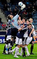 Fotball , 15. Mars 2009 , Tippeligaen , Viking - Odd Grenland , Stavanger Stadion , Thomas Myhre roter i feltet. Det gikk bra denne gang.