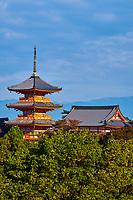 Japon, île de Honshu, région de Kansaï, Kyoto, temple Kiyomizu-dera, site classé Patrimoine mondial de l'UNESCO // Japan, Honshu island, Kansai region, Kyoto, Kiyomizu-dera temple, UNESCO World Heritage Site