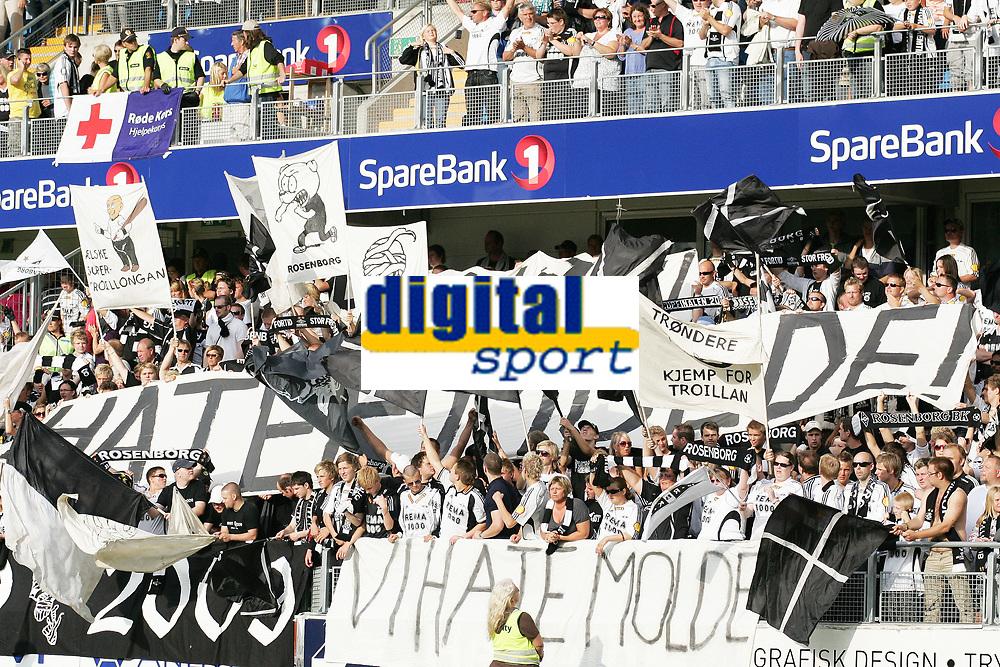Fotball , 09 august 2009<br /> Norgesmesterskapt fotball NM<br /> Molde - Rosenborg bk 5-0<br /> <br /> Rosenborg supportere<br /> <br /> <br /> Foto: Richard Brevik , Digitalsport