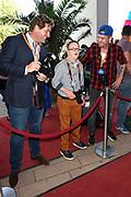 Nederlandse première van Wickie, de Musical  in het Nieuwe Luxor Theater in Rotterdam.<br /> <br /> Op de foto:  Johnny de Mol en Tomas van den Broek met Edwin Smulders voor opnamen van SynDROOM