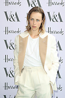 Edie Campbell, V&A Summer Party, Victoria and Albert Museum, London UK, 22 June 2016, Photo by Richard Goldschmidt