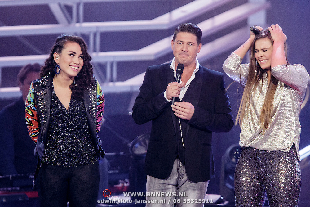 NLD/Hilversum/20141121- 2de Live The Voice of Holland, Bella Lepping, Martijn Krabbe en Mel Jonk