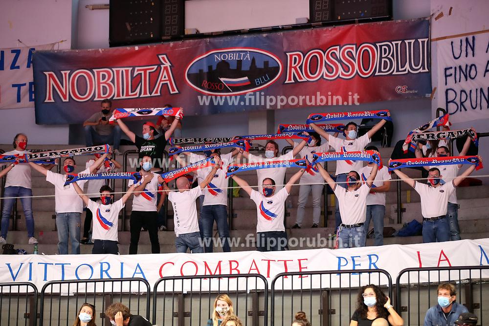 I TIFOSI DI BERGAMO<br /> ZANETTI BERGAMO - VBC EPIU CASALMAGGIORE<br /> PALLAVOLO CAMPIONATO ITALIANO VOLLEY SERIE A1-F 2020-2021<br /> BERGAMO 04-10-2020<br /> FOTO FILIPPO RUBIN / LVF