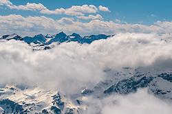 """THEMENBILD - Aussicht auf die umliegenden Berge bei schönem Wetter bei der 3029m hohen Aussichtsplattform - """"Top of Salzburg"""" aufgenommen am 14. April 2017 am Kitzsteinhorn Gletscher, Kaprun Österreich // View of the surrounding mountains with nice weather at the 3029m high viewing platform - """"Top of Salzburg"""" at the Kitzsteinhorn Glacier Ski Resort, Kaprun Austria on 2017/04/14. EXPA Pictures © 2017, PhotoCredit: EXPA/ JFK"""