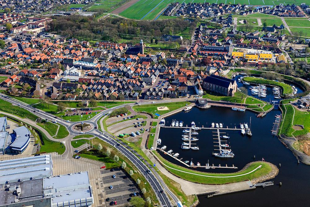 Nederland, Overijssel, Gemeente Steenwijkerland, 01-05-2013; Vollenhove, met jachthaven. In het centrum de Grote of Sint Niklaaskerk (laat-gotische hallenkerk).<br /> Marina and old church in the village of Vollenhove in the polder.<br /> luchtfoto (toeslag op standard tarieven)<br /> aerial photo (additional fee required)<br /> copyright foto/photo Siebe Swart
