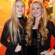 NLD/Amsterdam/20181122 - Premiere First Kiss, Mylene en Rosanna Waalewijn