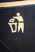 Litter bin figure