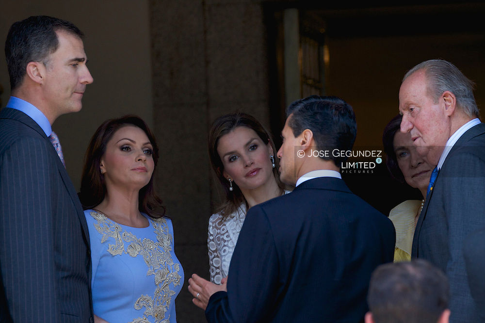 King Juan Carlos of Spain, Queen Sofia of Spain, Prince Felipe of Spain and Princess Letizia of Spain attend a Lunch with Presidente of United States of Mexico, Enrique Pena Nieto and wife Mrs. Angelica Rivera at Zarzuela Palace on June 9, 2014 in Madrid