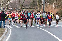 elite men take off from start in Central Park