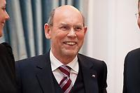 13 JAN 2011, BERLIN/GERMANY:<br /> Walter Hirche, Praesident Deutsche UNESCO-Kommission, Neujahrsempfang des Bundespraesidenten, Schloss Bellevue<br /> IMAGE: 20110113-01-020
