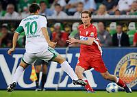 Fotball<br /> Tyskland<br /> Foto: Witters/Digitalsport<br /> NORWAY ONLY<br /> <br /> 07.08.2009<br /> <br /> v.l. Zvjezdan Misimovic, Aliaksandr Hleb Stuttgart<br /> <br /> Bundesliga VfL Wolfsburg - VfB Stuttgart 2:0