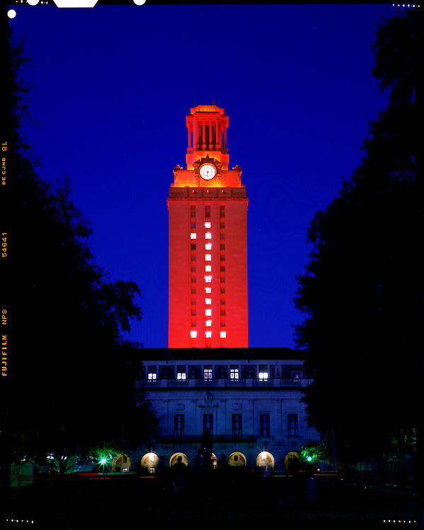 Main Building<br /> a/k/a  The Texas Tower<br /> Lit up with burnt orange light following Texas Rose bowl victory<br /> University of Texas at Austin<br /> Austin, TX<br /> Thursday, January 5 2006<br /> photograph ©2006 Darren Carroll