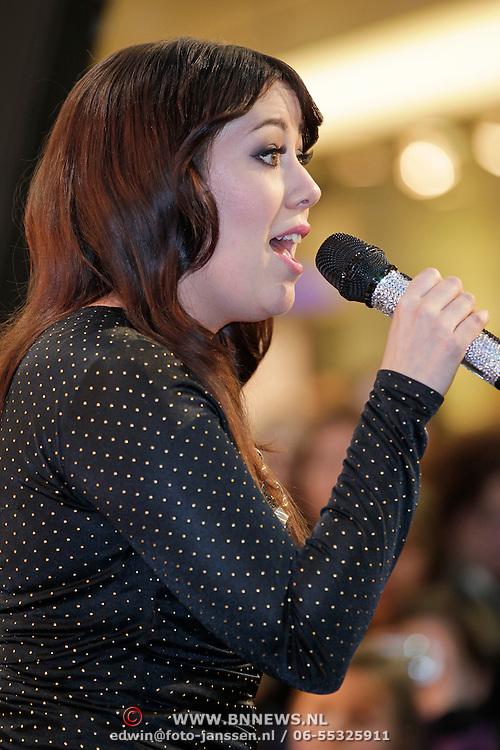 NLD/Amsterdam/20120104 - Verrassingsconcert the Voice of Holland kandidaten, Laura Estevez