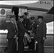 Army Athletics team arrive at Dublin Airport..22.08.1961