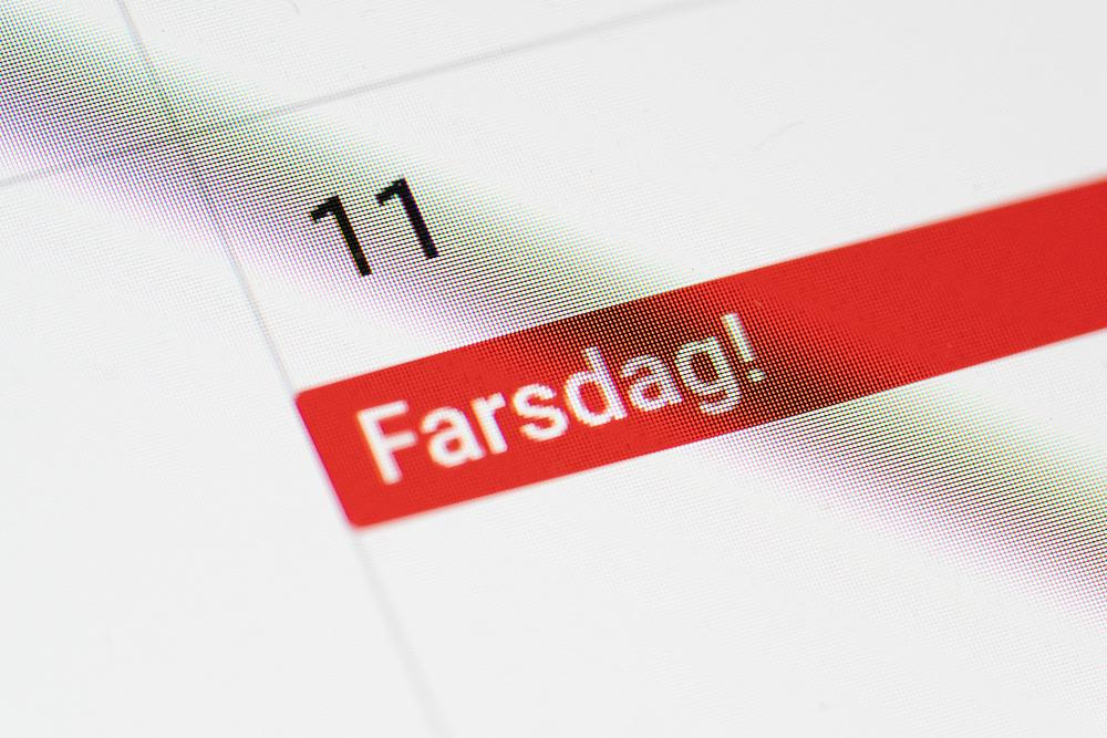 Farsdagspåminnelse på dataskjermens kalendervisning. Farsdagen markeres søndag 11. november i 2018.