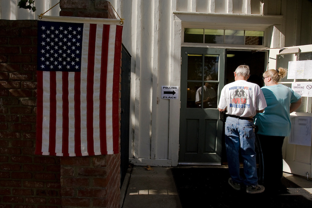 Voters line up to cast their ballots in Los Angeles on November 4, 2008. Polling places experienced long lines throughout the city.