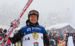 21.01.2012, Hahnenkamm, Kitzbuehel, AUT, FIS Weltcup Ski Alpin, 72. Hahnenkammrennen, Charity race, im Bild TV-Moderator und Skilegende Armin assinger (AUT) // during Charity race of 72th Hahnenkammrace of FIS Ski Alpine World Cup at 'Charity' course in Kitzbuhel, Austria on 2012/01/21. EXPA Pictures © 2012, PhotoCredit: EXPA/ Markus Casna