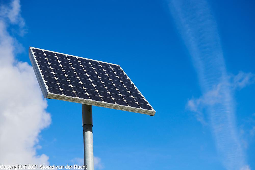 Solar panel on a pole  Zonnepaneel op een paal.
