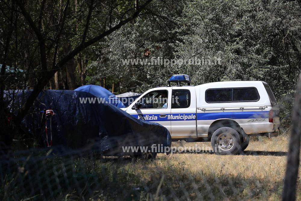 CONTROLLI POLIZIA MUNICIPALE CAMPEGGIO ABUSIVO LIDO DI VOLANO