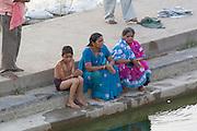 India, Rajasthan, Pushkar, people on the shore of the holy Brahman lake