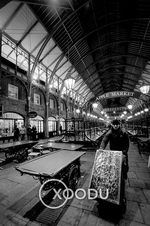 Covent Garden apple market II, London, England (February 2005)