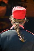 Nederland, Beuningen, 30-5-2015Festival voor alternatieve en creatieve geesten in de Hof van Wezel. Man met lange paardenstaart in het haar en fez op zijn hoofd.FOTO: FLIP FRANSSEN/ HOLLANDSE HOOGTE
