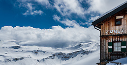 THEMENBILD - Bergpanorama und der Schriftzug Zimmer am Mankeiwirt. Die Grossglockner Hochalpenstrasse verbindet die beiden Bundeslaender Salzburg und Kaernten mit einer Laenge von 48 Kilometer und ist als Erlebnisstrasse vorrangig von touristischer Bedeutung, aufgenommen am 2. Mai 2017, Fusch a. d. Glocknerstrasse, Oesterreich // Mountain views and the Mankeiwirt. The Grossglockner High Alpine Road connects the two provinces of Salzburg and Carinthia with a length of 48 km and is as an adventure road priority of tourist interest at Fusch a. d. Glocknerstrasse, Austria on 2017/05/02. EXPA Pictures © 2017, PhotoCredit: EXPA/ JFK