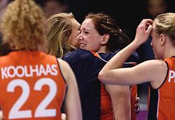 09-01-2016 TUR: European Olympic Qualification Tournament Rusland - Nederland, Ankara<br /> De Nederlandse volleybalsters hebben de finale van het olympisch kwalificatietoernooi tegen Rusland verloren. Oranje boog met 3-1 voor de Europees kampioen (25-21, 22-25, 25-19, 25-20) / Manon Nummerdor-Flier #12, Lonneke Sloetjes #10
