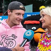 NLD/Amsterdam/20190814 - Premiere Angry Birds 2, Irma Knol en zoon Enzo Knol