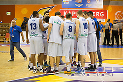 18.11.2015, Walfersamhalle, Kapfenberg, AUT, FIBA Europe Cup, ece Bulls Kapfenberg vs Le Havre, im Bild das Team von ece Bulls Kapfenberg nach dem Sieg gegen Le Havre // during the FIBA Europe Cup, between ece Bulls Kapfenberg and Le Havre at the Sportscenter Walfersam, Kapfenberg, Austria on 2015/11/18, EXPA Pictures © 2015, PhotoCredit: EXPA/ Dominik Angerer