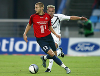 Fotball<br /> Frankrike 2004/05<br /> Lille v Bordeaux<br /> 21. august 2004<br /> Foto: Digitalsport<br /> NORWAY ONLY<br /> MATHIEU BODMER (LIL) / LILIAN LASLANDES (BOR)